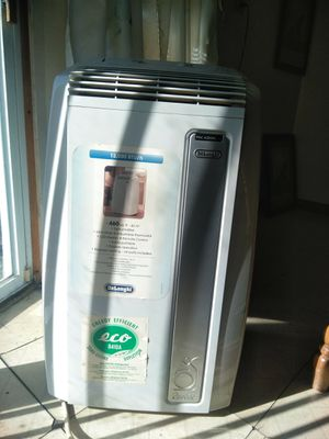 Delonghi Air conditioner 12,000 BTU/H for Sale in St. Louis, MO