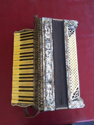 M. HOHNER 1930's - 1940's circa 120 base accordion , plays good, sounds even better. Attention All Accordion Players for Sale in Bloomington, CA