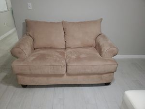 Loveseat for Sale in Miami, FL