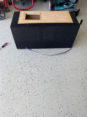 Ported speaker box for a 10in sub for Sale in Tulare, CA