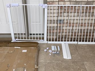 Extra Large Gate (might Be Missing Hardware)- Selling As Is for Sale in Downers Grove,  IL