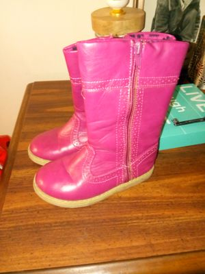 Sz9 little girl boots for Sale in Troy, NY