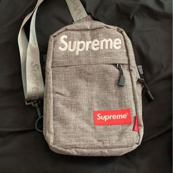 Supreme Messenger Bag Grey for Sale in Orlando,  FL