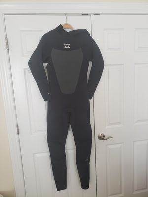 Billabong 4/3mm Wetsuit barely used $175 OBO for Sale in Apex, NC