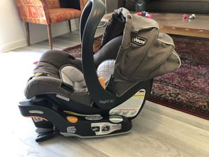 Chicco KeyFit 30 infant car seat !! for Sale in Reedley, CA
