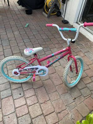 """Huffy Sea Star 20"""" Girls Bike in great condition @@@ great deal!!! first come first serve!!! for Sale in Hialeah, FL"""