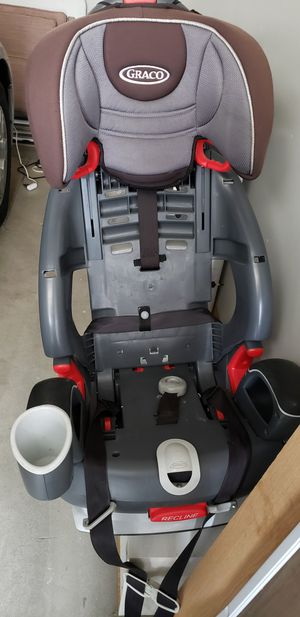 Graco car seat 100 lb booster for Sale in St. Louis, MO