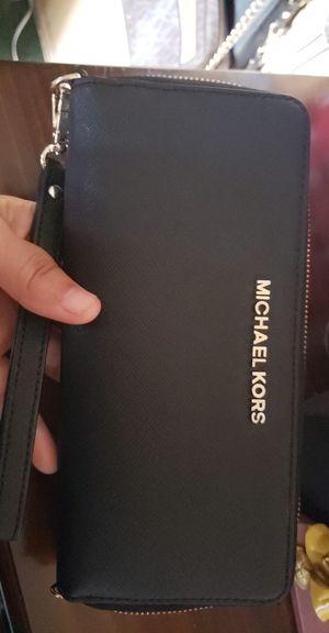 Michael Kors Wrstlet Wallet for Sale in Santa Ana, CA