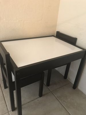 Dry erase table and chairs. for Sale in Hudson, FL