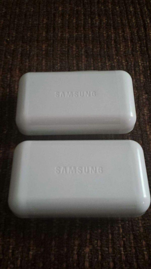2 Original Samsung Headphones Brand New