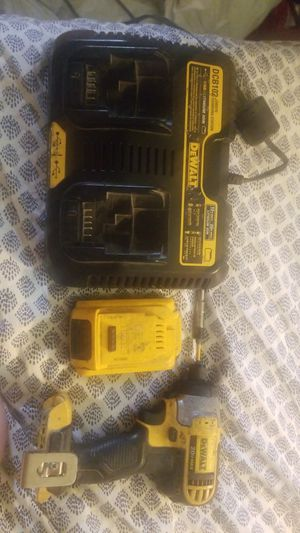 DeWalt power tool dual charger and lithium ion batteryDCB102 & DCF885 for Sale in Katy, TX