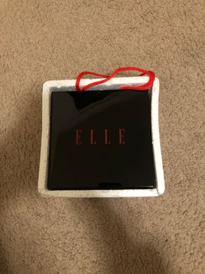 Brand new Elle beauty showcase for Sale in Vancouver, WA