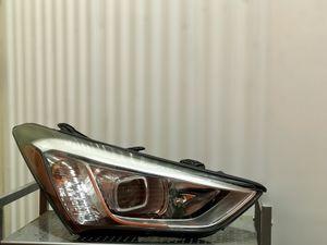 2016-2018 Hyundai Santa Fe right headlight LED XENON OEM for Sale in Los Angeles, CA