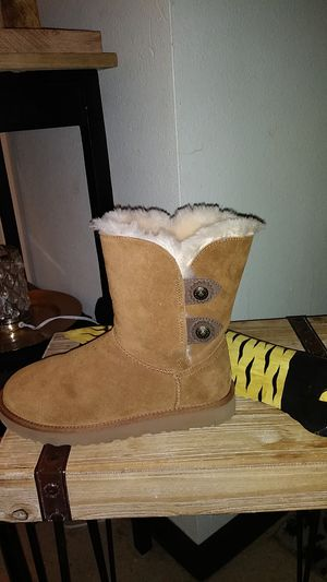 Brand new uggs size 8 for Sale in Renton, WA