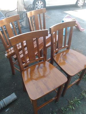 Kitchen table with 4 matching chairs.. for Sale in Springfield, TN