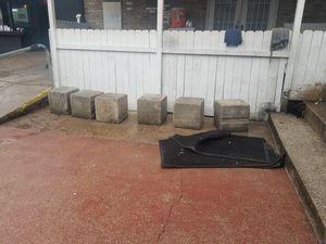 Free concrete blocks for Sale in Austin, TX