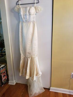 Wedding Dress Size 6 for Sale in UPR MARLBORO, MD