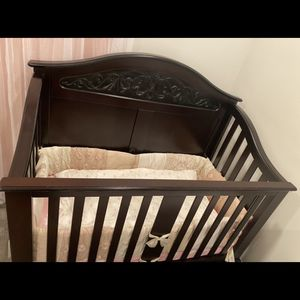 Wooden Crib With Mattress for Sale in Los Angeles, CA