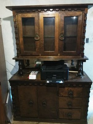 Antique china cabinet for Sale in Leander, TX