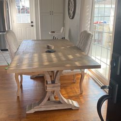 Dinning Room Table for Sale in Long Beach,  CA