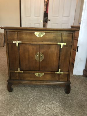 Floor cabinet for Sale in Columbus, OH
