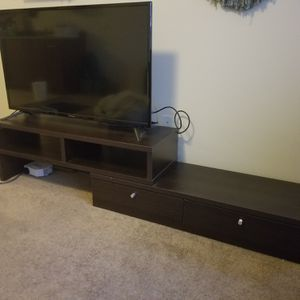 TV and TV Stand Set for Sale in Shoreline, WA