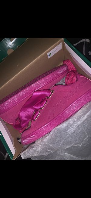 Pumas with boa never worn for Sale in Columbus, OH