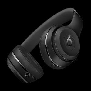 Apple Beats by Dre Solo 3 wireless for Sale in Stockton, CA