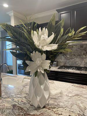 Large White Faux Floral Arrangement for Sale in Clovis, CA