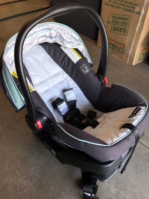 Graco snugride snuglock 30 car seat for Sale in Rogers, MN