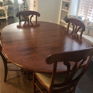 Kitchen table and four chairs for Sale in Suffolk, VA