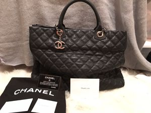Authentic Chanel shoulder bag for Sale in Woodinville, WA