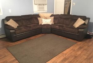Beautiful Sectional Couch Sofa *FREE DELIVERY* for Sale in Toms River, NJ