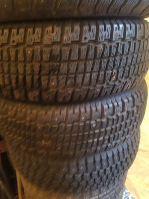 195/65R15 studded snow tire for Sale in Lynnwood, WA