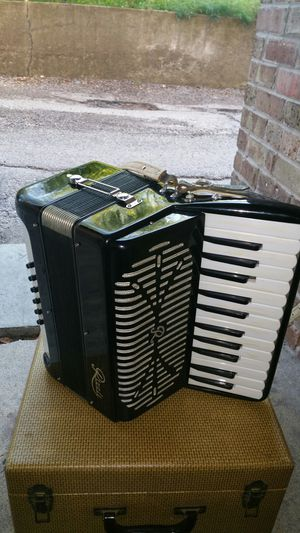 Requen accordion for Sale in Third Lake, IL