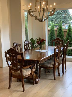 Dining set table and 6 chairs for Sale in Auburn, WA