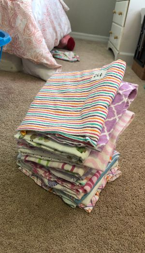 Receiving Baby girl blankets for Sale in Ruskin, FL