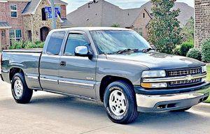 ֆ12OO 4WD CHEVY SILVERADO 4WD for Sale in Huntington Beach, CA