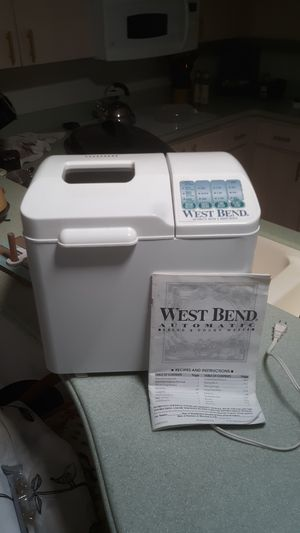 West Bend automatic bread and dough maker for Sale in Summerfield, FL