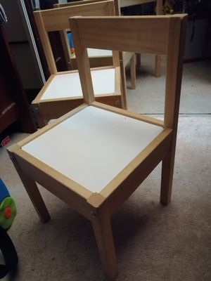 2 kid chairs for Sale in Boca Raton, FL