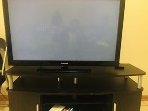 Samsung 40 inch tv and stand for Sale in OH, US