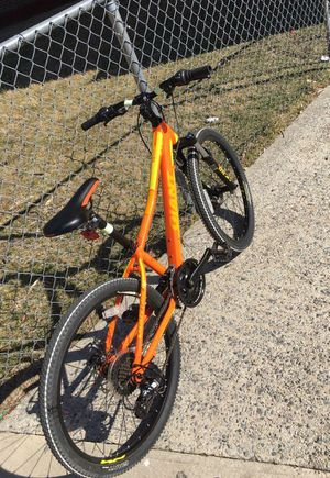 Giant XTC jr bike (with glow in the dark sticker) for Sale in New Rochelle, NY