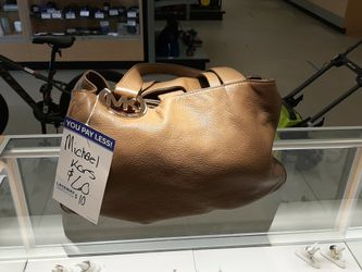 Leather Michael Kors Purse for Sale in Pensacola,  FL