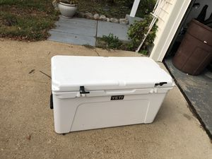 Yeti 110 tundra cooler for Sale in Virginia Beach, VA