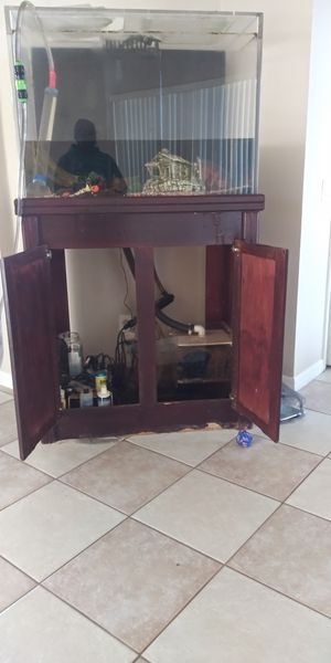 Fresh Water Aquarium w/Stand, Pump and all the amenities for Sale in Orlando, FL