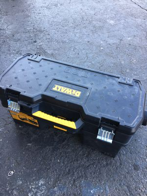 DEWALT 24 in. 2-in-1 Tote with Removable Power Tool Case for Sale in Garden Grove, CA