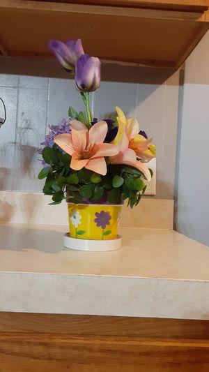 Flower pot for Sale in Valrico, FL