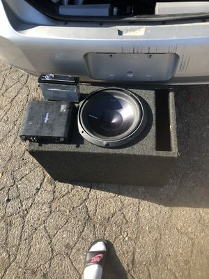 Car 12inch Sub and 1000watt amp forsale for Sale in Romulus, MI