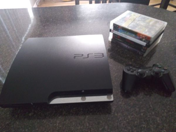 Sony PS3, Controller and Games.