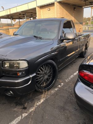22 inch rims for Sale in Lynwood, CA